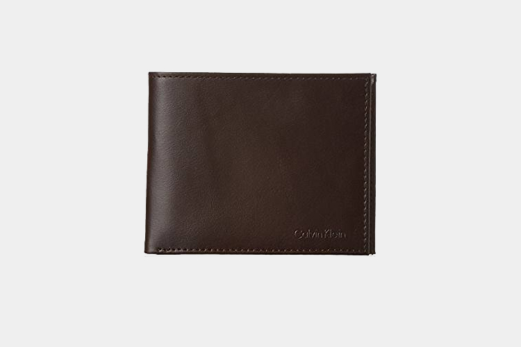 b4bed00252ac The 18 Best Minimalist Wallets for Men | Top Slim Designs | Improb
