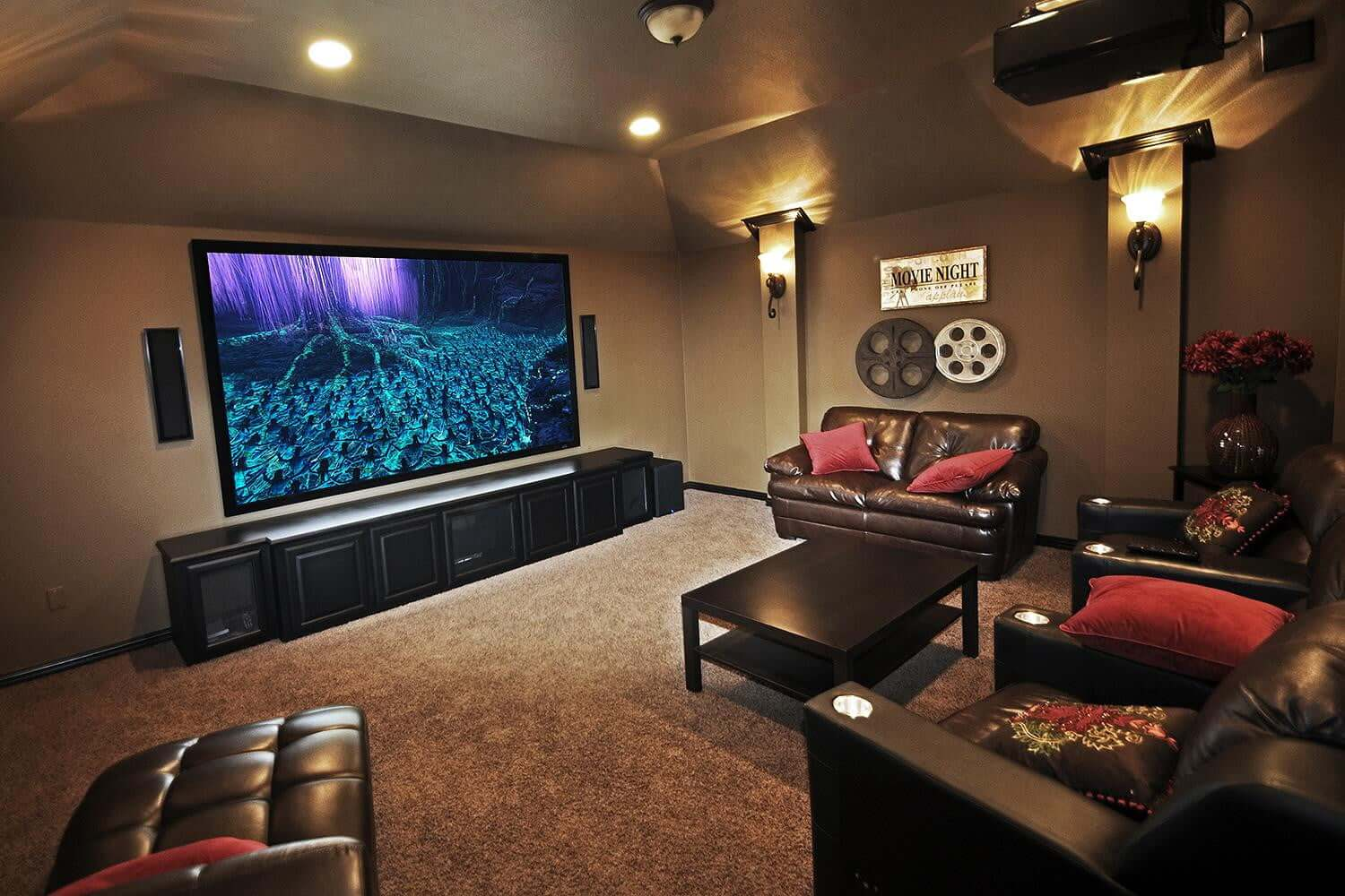 Projector Screens The 6 Best Huge Home Theatre Movie Screens Improb