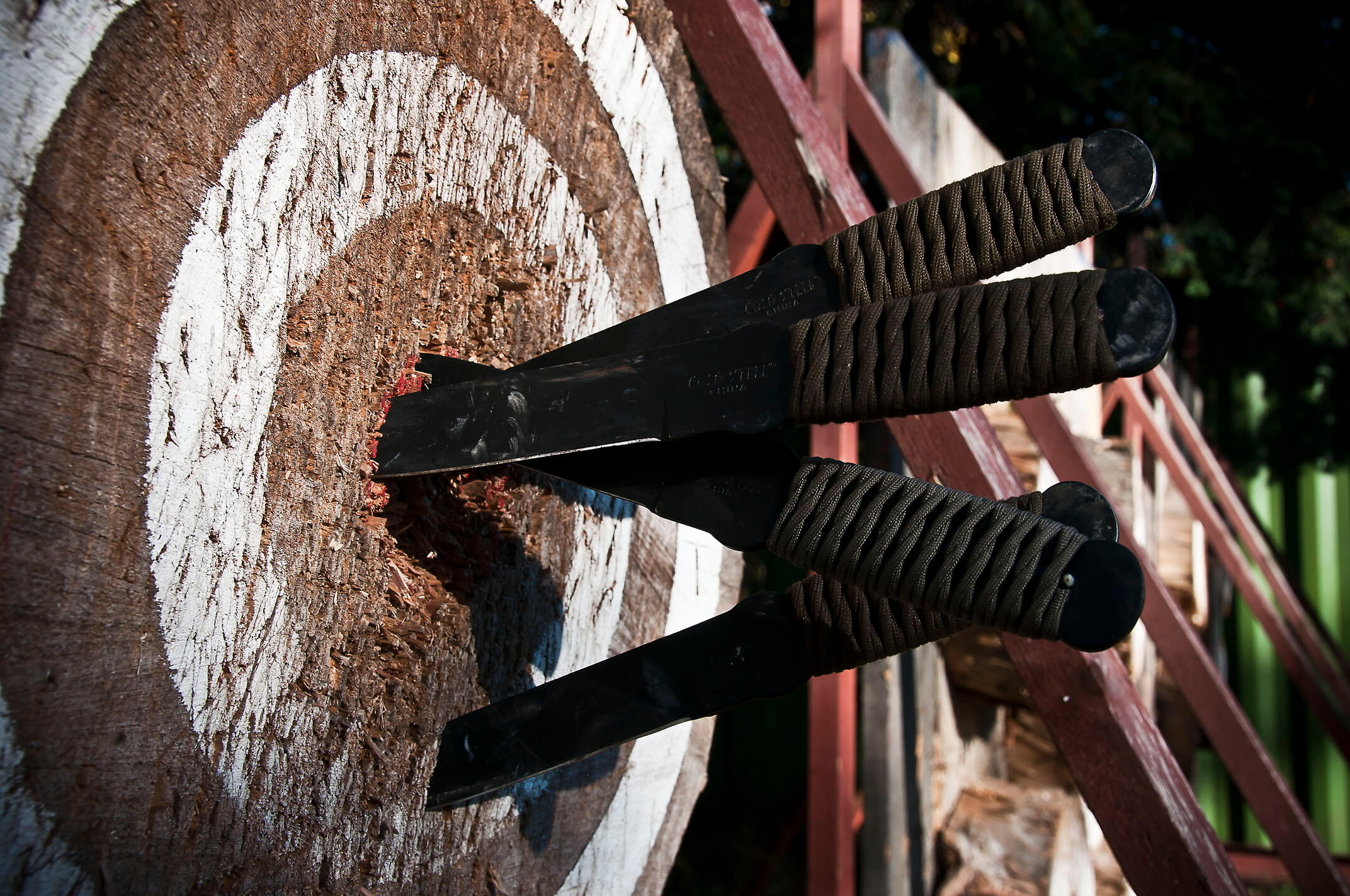 The 10 Best Throwing Knives Improb