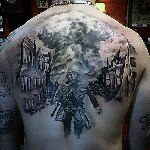 Back Piece Depicting a Soldier Running Away from the War Zone